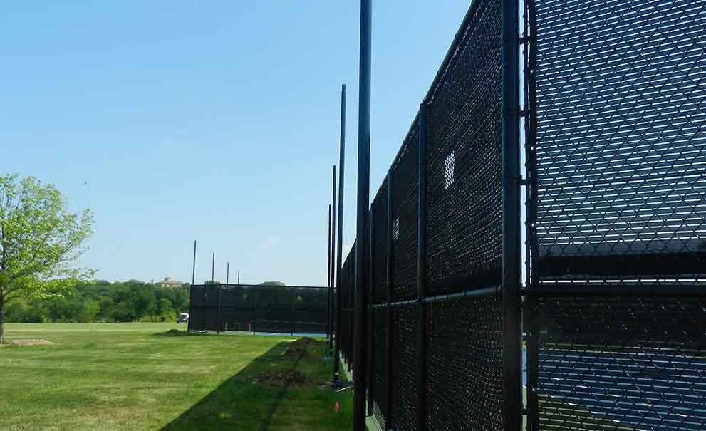 Master Systems Courts Wind Screen and Privacy Screen Sample
